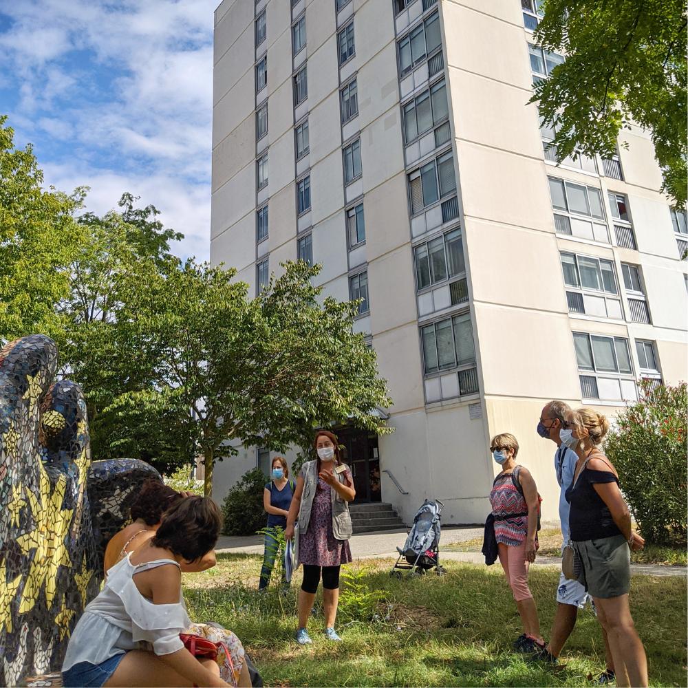 Contrastes d'une ville : Cenon, entre rénovation urbaine et coteaux verdoyants